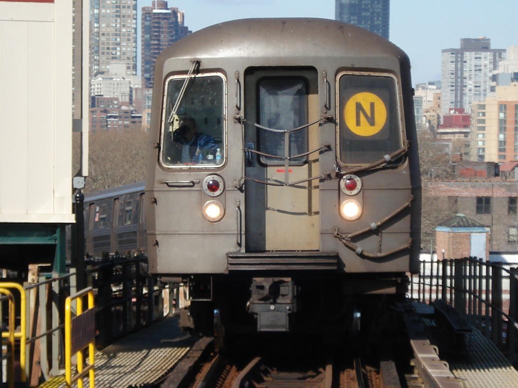 (121k, 1037x778)<br><b>Country:</b> United States<br><b>City:</b> New York<br><b>System:</b> New York City Transit<br><b>Line:</b> BMT Astoria Line<br><b>Location:</b> Queensborough Plaza <br><b>Route:</b> N<br><b>Car:</b> R-68 (Westinghouse-Amrail, 1986-1988)  2884 <br><b>Photo by:</b> Michael Hodurski<br><b>Date:</b> 2/10/2007<br><b>Viewed (this week/total):</b> 0 / 2358