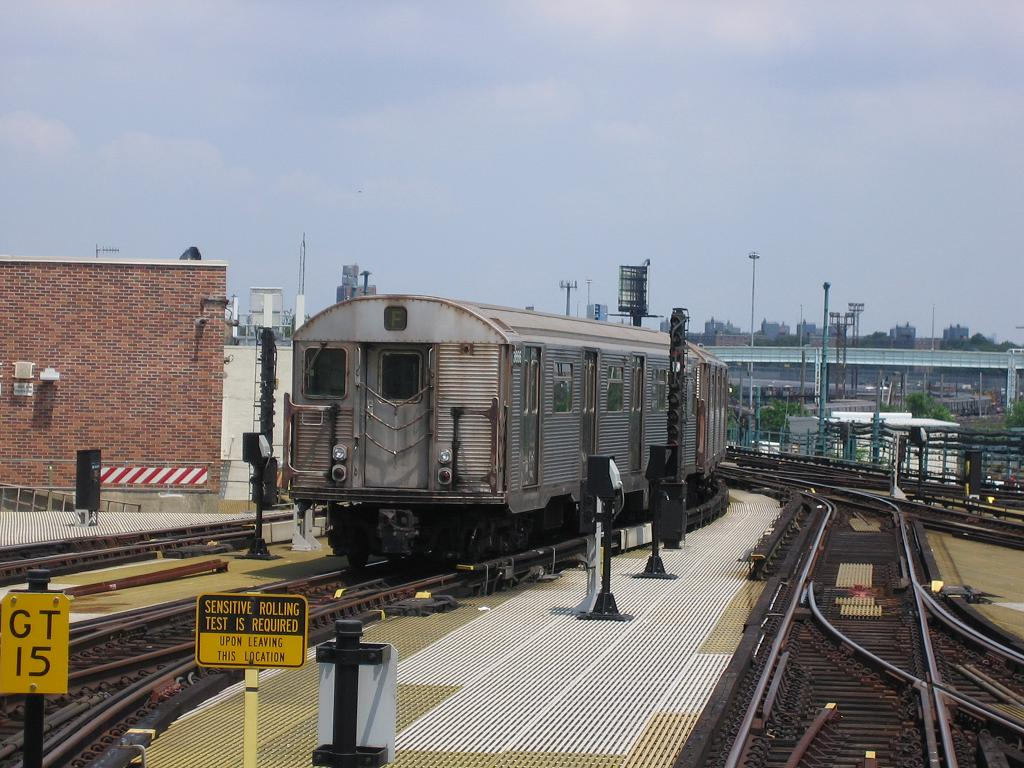 (137k, 1024x768)<br><b>Country:</b> United States<br><b>City:</b> New York<br><b>System:</b> New York City Transit<br><b>Location:</b> Coney Island/Stillwell Avenue<br><b>Route:</b> N<br><b>Car:</b> R-32 (Budd, 1964)  3666 <br><b>Photo by:</b> Michael Hodurski<br><b>Date:</b> 7/18/2006<br><b>Viewed (this week/total):</b> 0 / 2812