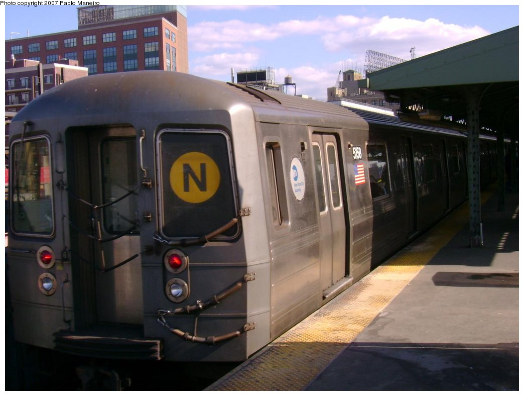 (143k, 1044x788)<br><b>Country:</b> United States<br><b>City:</b> New York<br><b>System:</b> New York City Transit<br><b>Line:</b> BMT Astoria Line<br><b>Location:</b> Queensborough Plaza <br><b>Route:</b> N<br><b>Car:</b> R-68A (Kawasaki, 1988-1989)  5158 <br><b>Photo by:</b> Pablo Maneiro<br><b>Viewed (this week/total):</b> 4 / 2212