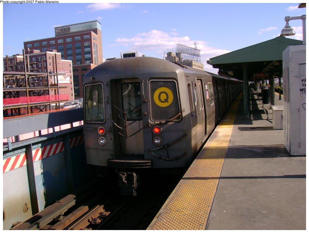(175k, 1044x788)<br><b>Country:</b> United States<br><b>City:</b> New York<br><b>System:</b> New York City Transit<br><b>Line:</b> BMT Astoria Line<br><b>Location:</b> Queensborough Plaza <br><b>Route:</b> Q<br><b>Car:</b> R-68A (Kawasaki, 1988-1989)  5168 <br><b>Photo by:</b> Pablo Maneiro<br><b>Viewed (this week/total):</b> 2 / 1912
