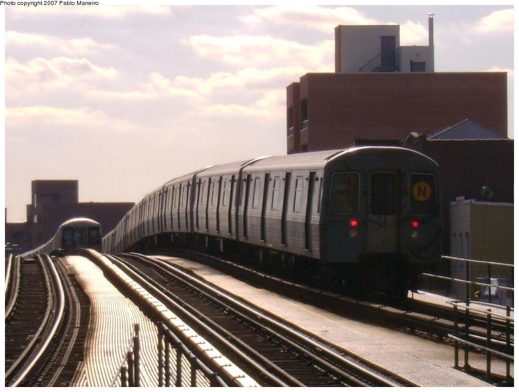 (146k, 1044x788)<br><b>Country:</b> United States<br><b>City:</b> New York<br><b>System:</b> New York City Transit<br><b>Line:</b> BMT Astoria Line<br><b>Location:</b> Astoria Boulevard/Hoyt Avenue <br><b>Route:</b> N<br><b>Car:</b> R-68 (Westinghouse-Amrail, 1986-1988)   <br><b>Photo by:</b> Pablo Maneiro<br><b>Viewed (this week/total):</b> 1 / 2285