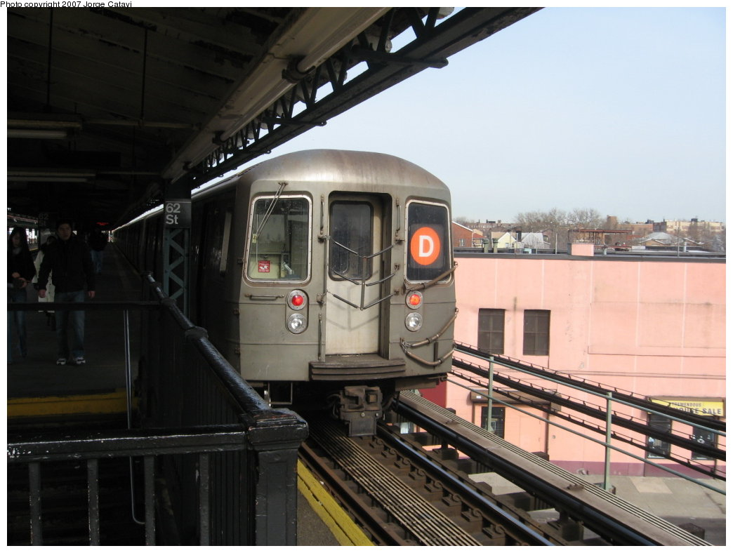 (145k, 1044x788)<br><b>Country:</b> United States<br><b>City:</b> New York<br><b>System:</b> New York City Transit<br><b>Line:</b> BMT West End Line<br><b>Location:</b> 62nd Street <br><b>Route:</b> D<br><b>Car:</b> R-68 (Westinghouse-Amrail, 1986-1988)  2602 <br><b>Photo by:</b> Jorge Catayi<br><b>Date:</b> 2/13/2007<br><b>Viewed (this week/total):</b> 0 / 2252