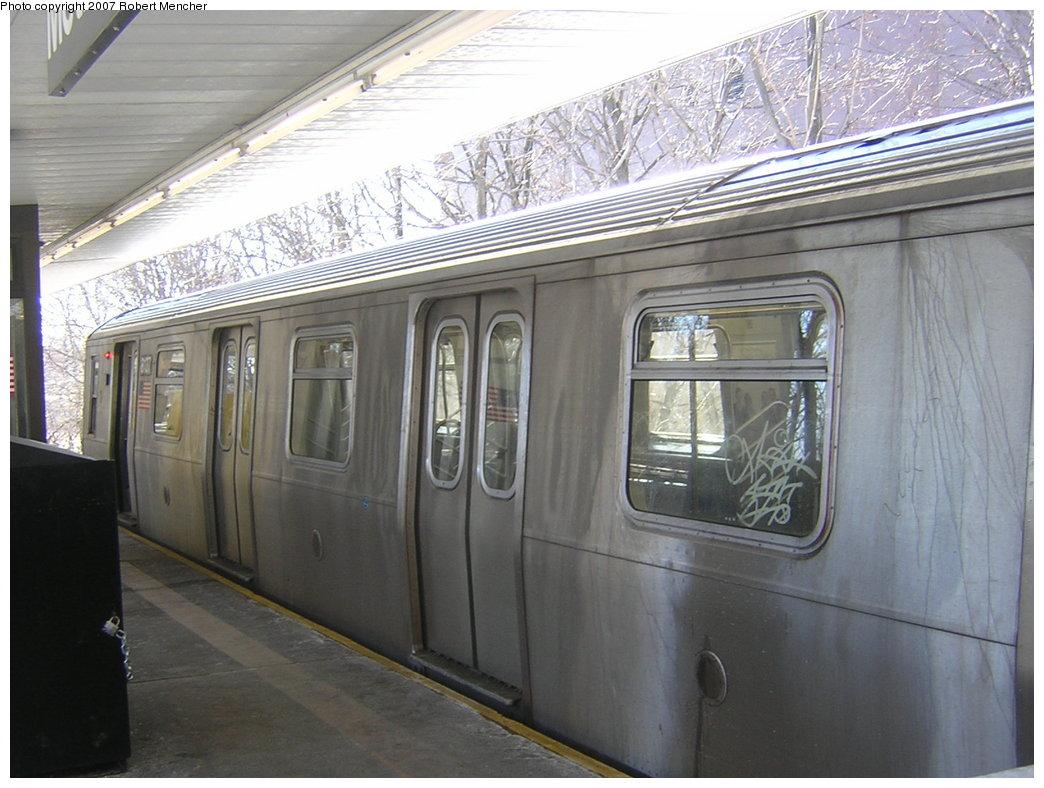 (198k, 1044x788)<br><b>Country:</b> United States<br><b>City:</b> New York<br><b>System:</b> New York City Transit<br><b>Line:</b> BMT Myrtle Avenue Line<br><b>Location:</b> Metropolitan Avenue <br><b>Route:</b> M<br><b>Car:</b> R-143 (Kawasaki, 2001-2002) 8137 <br><b>Photo by:</b> Robert Mencher<br><b>Date:</b> 2/19/2007<br><b>Viewed (this week/total):</b> 0 / 2598