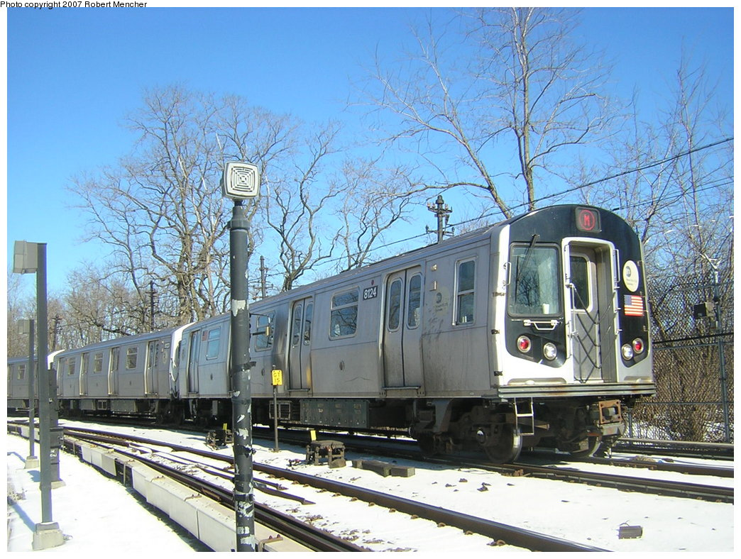 (261k, 1044x788)<br><b>Country:</b> United States<br><b>City:</b> New York<br><b>System:</b> New York City Transit<br><b>Line:</b> BMT Myrtle Avenue Line<br><b>Location:</b> Metropolitan Avenue <br><b>Route:</b> M<br><b>Car:</b> R-143 (Kawasaki, 2001-2002) 8124 <br><b>Photo by:</b> Robert Mencher<br><b>Date:</b> 2/19/2007<br><b>Viewed (this week/total):</b> 1 / 3320
