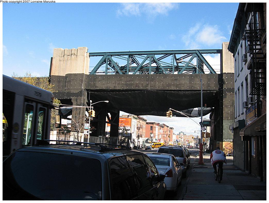 (213k, 1044x788)<br><b>Country:</b> United States<br><b>City:</b> New York<br><b>System:</b> New York City Transit<br><b>Line:</b> IND Crosstown Line<br><b>Location:</b> 4th Avenue <br><b>Photo by:</b> Lorraine Maruska<br><b>Date:</b> 2/2007<br><b>Viewed (this week/total):</b> 0 / 1786