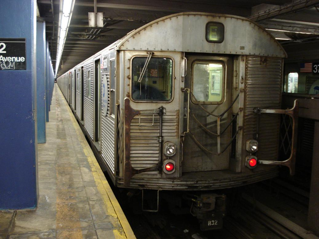 (125k, 1037x778)<br><b>Country:</b> United States<br><b>City:</b> New York<br><b>System:</b> New York City Transit<br><b>Line:</b> IND 6th Avenue Line<br><b>Location:</b> 2nd Avenue <br><b>Route:</b> E<br><b>Car:</b> R-32 (Budd, 1964)  3680 <br><b>Photo by:</b> Michael Hodurski<br><b>Date:</b> 2/18/2007<br><b>Viewed (this week/total):</b> 5 / 2351