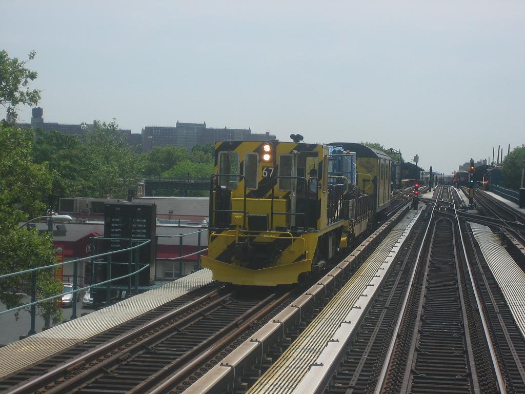 (123k, 1024x768)<br><b>Country:</b> United States<br><b>City:</b> New York<br><b>System:</b> New York City Transit<br><b>Line:</b> BMT West End Line<br><b>Location:</b> Bay 50th Street <br><b>Route:</b> Work Service<br><b>Car:</b> R-47 Locomotive  67 <br><b>Photo by:</b> Michael Hodurski<br><b>Date:</b> 7/7/2006<br><b>Viewed (this week/total):</b> 0 / 1752