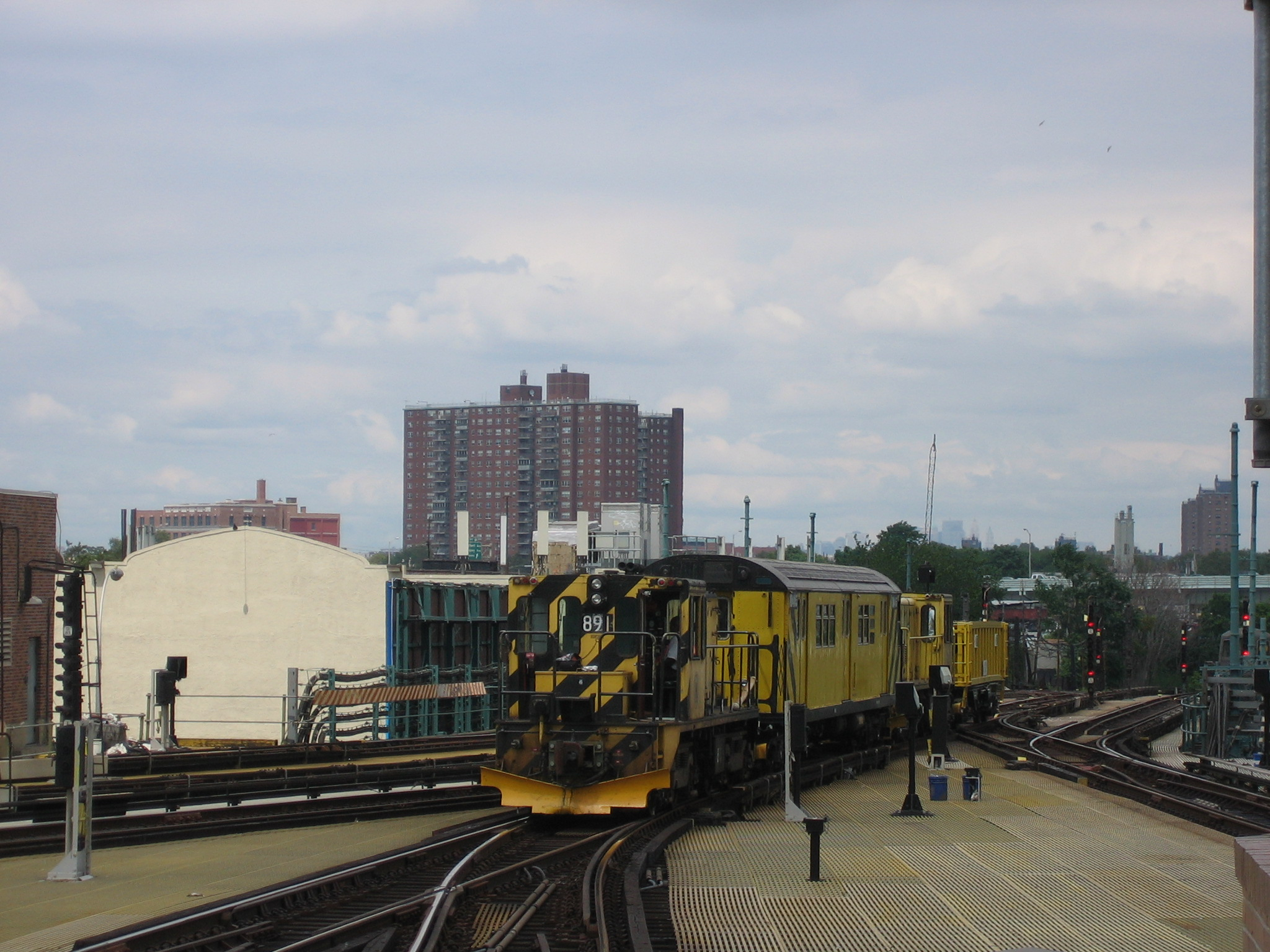 (746k, 2048x1536)<br><b>Country:</b> United States<br><b>City:</b> New York<br><b>System:</b> New York City Transit<br><b>Location:</b> Coney Island/Stillwell Avenue<br><b>Route:</b> Work Service<br><b>Car:</b> R-77 Locomotive  891 <br><b>Photo by:</b> Michael Hodurski<br><b>Date:</b> 8/4/2006<br><b>Viewed (this week/total):</b> 1 / 1601
