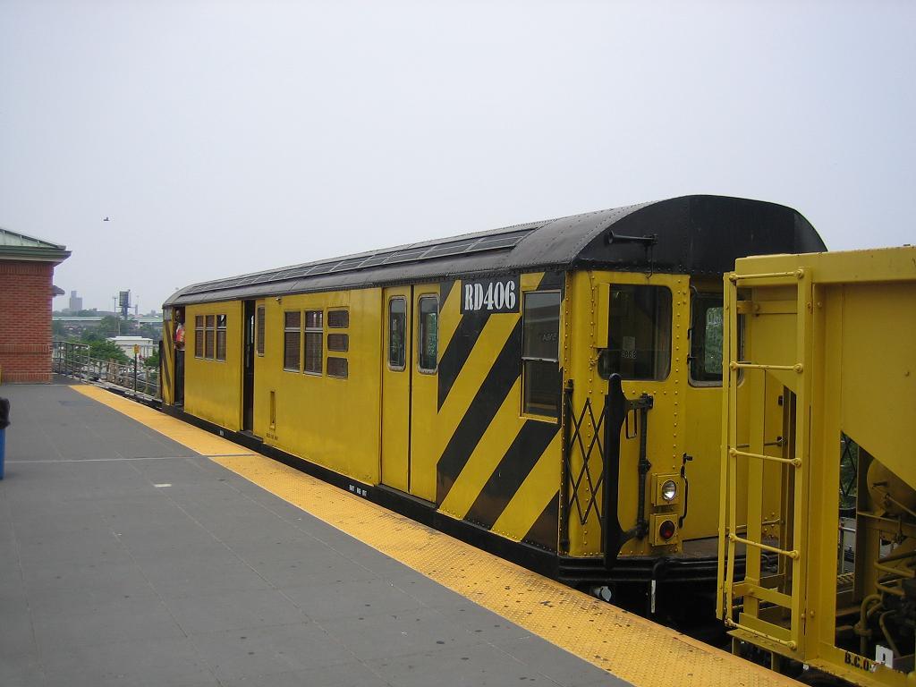 (89k, 1024x768)<br><b>Country:</b> United States<br><b>City:</b> New York<br><b>System:</b> New York City Transit<br><b>Location:</b> Coney Island/Stillwell Avenue<br><b>Route:</b> Work Service<br><b>Car:</b> R-161 Rider Car (ex-R-33)  RD406 (ex-8868)<br><b>Photo by:</b> Michael Hodurski<br><b>Date:</b> 7/12/2006<br><b>Viewed (this week/total):</b> 1 / 1626