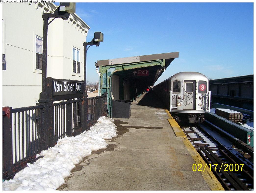 (180k, 1044x788)<br><b>Country:</b> United States<br><b>City:</b> New York<br><b>System:</b> New York City Transit<br><b>Line:</b> IRT Brooklyn Line<br><b>Location:</b> Van Siclen Avenue <br><b>Route:</b> 3<br><b>Car:</b> R-62 (Kawasaki, 1983-1985)  1306 <br><b>Photo by:</b> Aliandro Brathwaite<br><b>Date:</b> 2/17/2007<br><b>Viewed (this week/total):</b> 1 / 2636