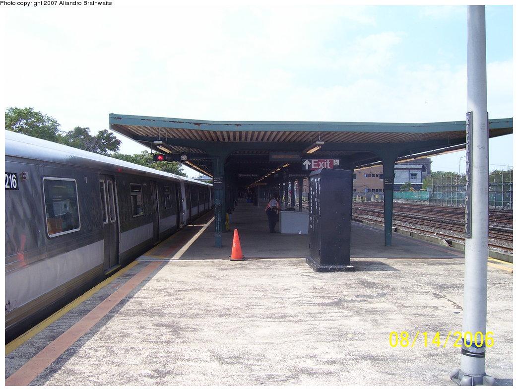 (183k, 1044x788)<br><b>Country:</b> United States<br><b>City:</b> New York<br><b>System:</b> New York City Transit<br><b>Line:</b> IND Rockaway<br><b>Location:</b> Rockaway Park/Beach 116th Street <br><b>Route:</b> A<br><b>Car:</b> R-44 (St. Louis, 1971-73) 5216 <br><b>Photo by:</b> Aliandro Brathwaite<br><b>Date:</b> 8/14/2006<br><b>Viewed (this week/total):</b> 3 / 2004