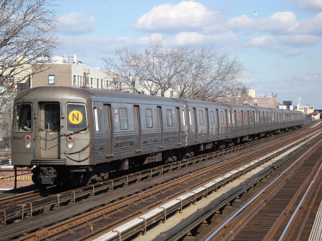 (169k, 1037x778)<br><b>Country:</b> United States<br><b>City:</b> New York<br><b>System:</b> New York City Transit<br><b>Line:</b> BMT Astoria Line<br><b>Location:</b> 36th/Washington Aves. <br><b>Route:</b> N<br><b>Car:</b> R-68 (Westinghouse-Amrail, 1986-1988)  2894 <br><b>Photo by:</b> Michael Hodurski<br><b>Date:</b> 2/10/2007<br><b>Viewed (this week/total):</b> 0 / 2385