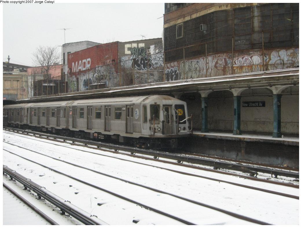 (152k, 1044x788)<br><b>Country:</b> United States<br><b>City:</b> New York<br><b>System:</b> New York City Transit<br><b>Line:</b> BMT Sea Beach Line<br><b>Location:</b> New Utrecht Avenue <br><b>Route:</b> N<br><b>Car:</b> R-40 (St. Louis, 1968)  4398 <br><b>Photo by:</b> Jorge Catayi<br><b>Date:</b> 2/14/2007<br><b>Viewed (this week/total):</b> 0 / 2275
