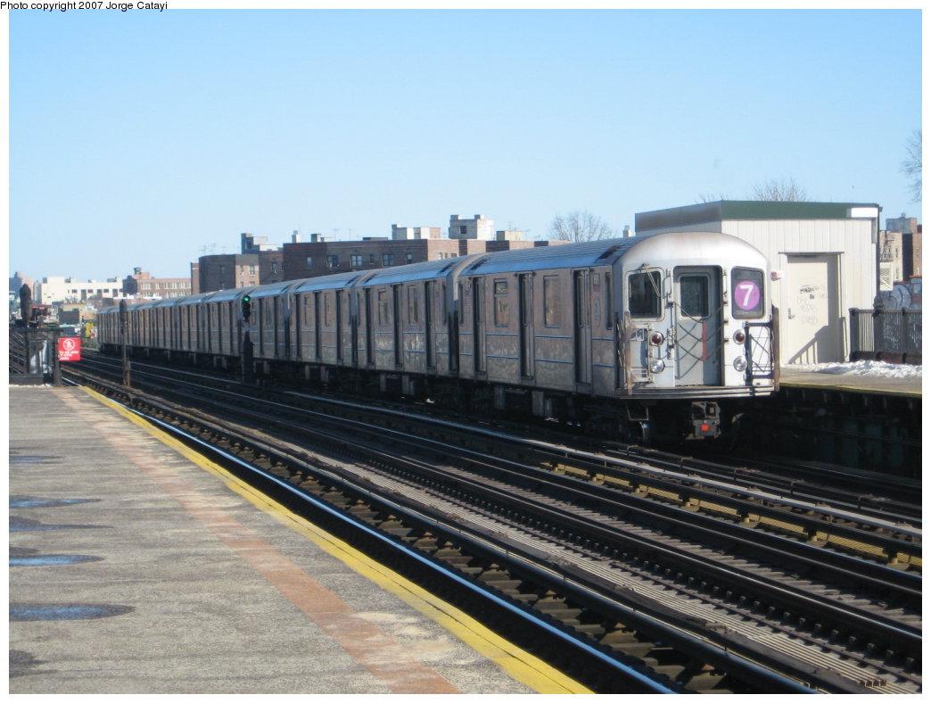 (156k, 1044x788)<br><b>Country:</b> United States<br><b>City:</b> New York<br><b>System:</b> New York City Transit<br><b>Line:</b> IRT Flushing Line<br><b>Location:</b> 82nd Street/Jackson Heights <br><b>Route:</b> 7<br><b>Car:</b> R-62A (Bombardier, 1984-1987)  1661 <br><b>Photo by:</b> Jorge Catayi<br><b>Date:</b> 2/19/2007<br><b>Viewed (this week/total):</b> 3 / 2181