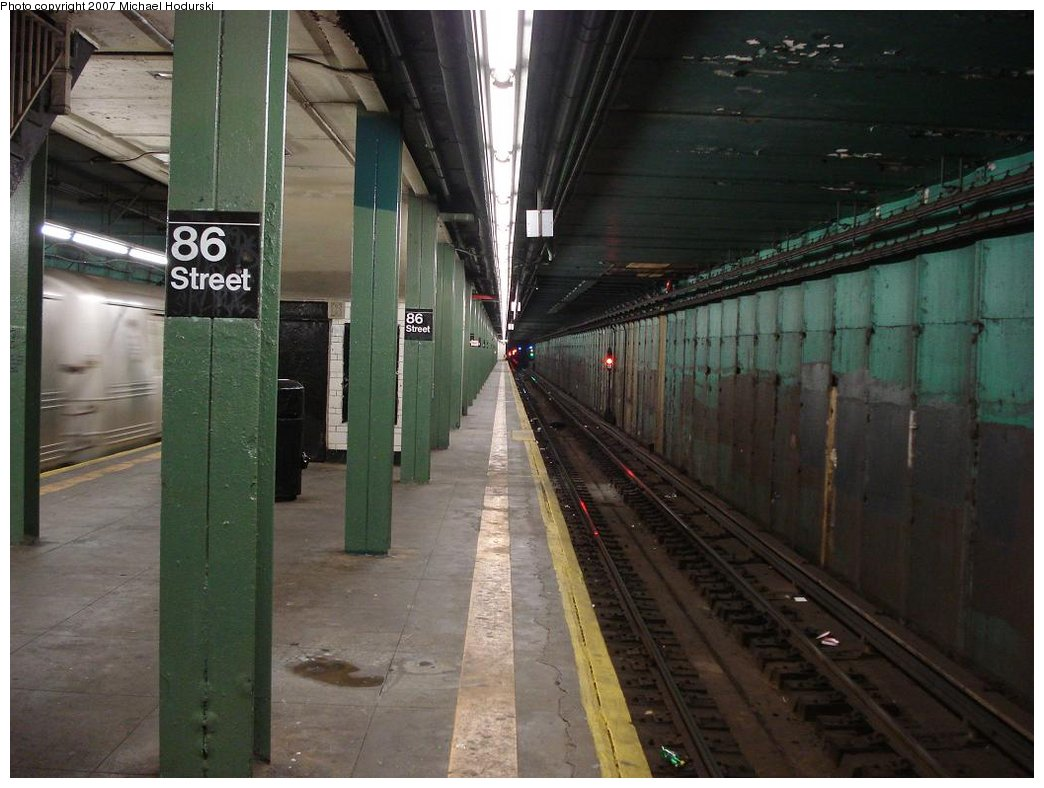 (160k, 1044x788)<br><b>Country:</b> United States<br><b>City:</b> New York<br><b>System:</b> New York City Transit<br><b>Line:</b> BMT 4th Avenue<br><b>Location:</b> 86th Street <br><b>Photo by:</b> Michael Hodurski<br><b>Date:</b> 2/21/2007<br><b>Notes:</b> Platform view.<br><b>Viewed (this week/total):</b> 0 / 2550