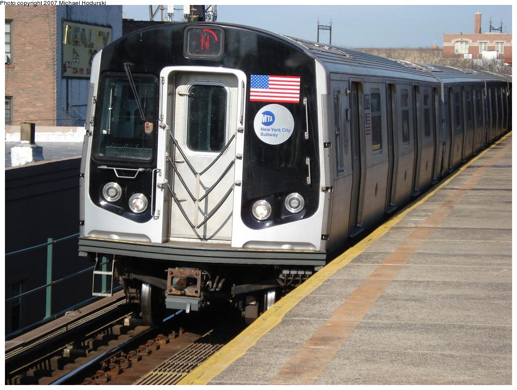 (190k, 1044x788)<br><b>Country:</b> United States<br><b>City:</b> New York<br><b>System:</b> New York City Transit<br><b>Line:</b> BMT Astoria Line<br><b>Location:</b> Astoria Boulevard/Hoyt Avenue <br><b>Route:</b> N<br><b>Car:</b> R-160B (Kawasaki, 2005-2008)  8713 <br><b>Photo by:</b> Michael Hodurski<br><b>Date:</b> 2/21/2007<br><b>Viewed (this week/total):</b> 0 / 2484