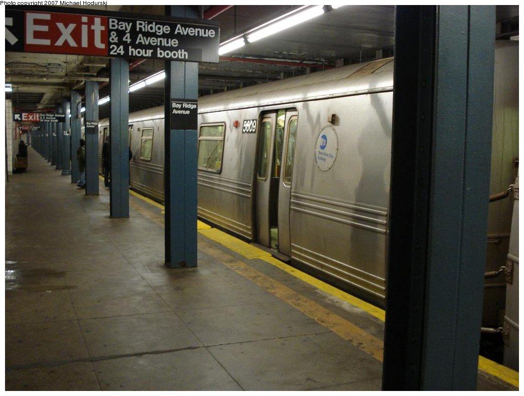 (142k, 1044x788)<br><b>Country:</b> United States<br><b>City:</b> New York<br><b>System:</b> New York City Transit<br><b>Line:</b> BMT 4th Avenue<br><b>Location:</b> Bay Ridge Avenue <br><b>Route:</b> R<br><b>Car:</b> R-46 (Pullman-Standard, 1974-75) 5609 <br><b>Photo by:</b> Michael Hodurski<br><b>Date:</b> 2/21/2007<br><b>Viewed (this week/total):</b> 2 / 3286