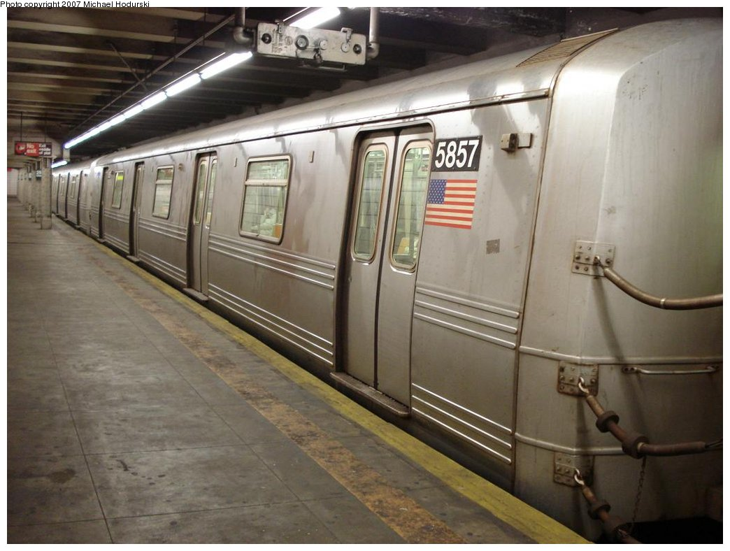 (154k, 1044x788)<br><b>Country:</b> United States<br><b>City:</b> New York<br><b>System:</b> New York City Transit<br><b>Line:</b> BMT 4th Avenue<br><b>Location:</b> 25th Street <br><b>Route:</b> R<br><b>Car:</b> R-46 (Pullman-Standard, 1974-75) 5857 <br><b>Photo by:</b> Michael Hodurski<br><b>Date:</b> 2/22/2007<br><b>Viewed (this week/total):</b> 0 / 3307