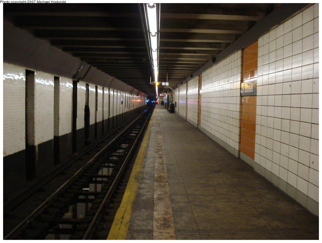 (132k, 1044x788)<br><b>Country:</b> United States<br><b>City:</b> New York<br><b>System:</b> New York City Transit<br><b>Line:</b> BMT 4th Avenue<br><b>Location:</b> 25th Street <br><b>Photo by:</b> Michael Hodurski<br><b>Date:</b> 2/22/2007<br><b>Notes:</b> Platform view.<br><b>Viewed (this week/total):</b> 0 / 1999