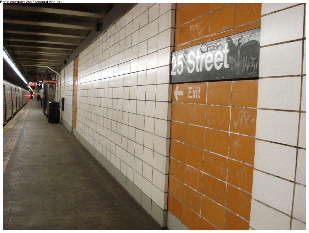 (146k, 1044x788)<br><b>Country:</b> United States<br><b>City:</b> New York<br><b>System:</b> New York City Transit<br><b>Line:</b> BMT 4th Avenue<br><b>Location:</b> 25th Street <br><b>Photo by:</b> Michael Hodurski<br><b>Date:</b> 2/22/2007<br><b>Notes:</b> Platform view.<br><b>Viewed (this week/total):</b> 4 / 1887