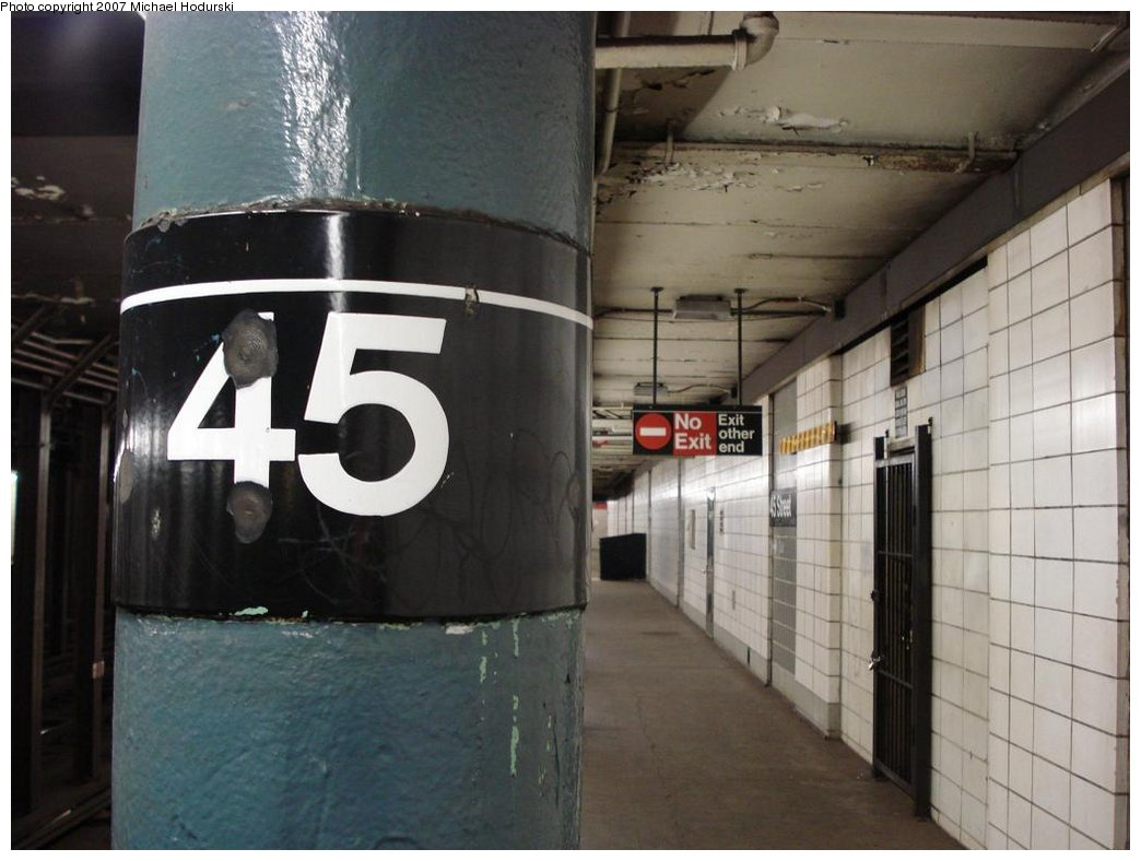 (143k, 1044x788)<br><b>Country:</b> United States<br><b>City:</b> New York<br><b>System:</b> New York City Transit<br><b>Line:</b> BMT 4th Avenue<br><b>Location:</b> 45th Street <br><b>Photo by:</b> Michael Hodurski<br><b>Date:</b> 2/22/2007<br><b>Notes:</b> Platform view.<br><b>Viewed (this week/total):</b> 4 / 1843