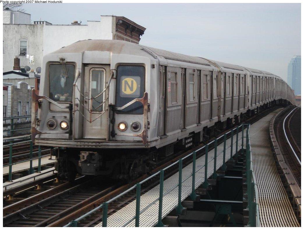 (167k, 1044x788)<br><b>Country:</b> United States<br><b>City:</b> New York<br><b>System:</b> New York City Transit<br><b>Line:</b> BMT Astoria Line<br><b>Location:</b> Astoria Boulevard/Hoyt Avenue <br><b>Route:</b> N<br><b>Car:</b> R-40 (St. Louis, 1968)  4394 <br><b>Photo by:</b> Michael Hodurski<br><b>Date:</b> 2/22/2007<br><b>Viewed (this week/total):</b> 1 / 2335