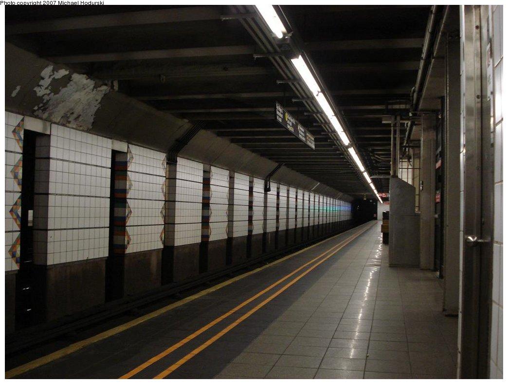 (141k, 1044x788)<br><b>Country:</b> United States<br><b>City:</b> New York<br><b>System:</b> New York City Transit<br><b>Line:</b> BMT 4th Avenue<br><b>Location:</b> Union Street <br><b>Photo by:</b> Michael Hodurski<br><b>Date:</b> 2/22/2007<br><b>Notes:</b> Platform view.<br><b>Viewed (this week/total):</b> 4 / 2238