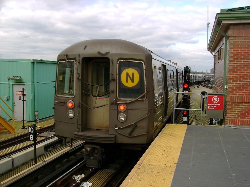 (123k, 986x740)<br><b>Country:</b> United States<br><b>City:</b> New York<br><b>System:</b> New York City Transit<br><b>Location:</b> Coney Island/Stillwell Avenue<br><b>Route:</b> N<br><b>Car:</b> R-68 (Westinghouse-Amrail, 1986-1988)   <br><b>Photo by:</b> Pablo Maneiro<br><b>Date:</b> 11/18/2006<br><b>Viewed (this week/total):</b> 2 / 2013