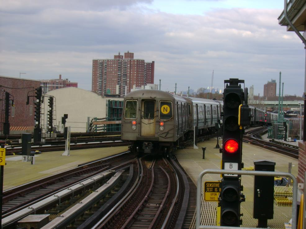 (119k, 986x740)<br><b>Country:</b> United States<br><b>City:</b> New York<br><b>System:</b> New York City Transit<br><b>Location:</b> Coney Island/Stillwell Avenue<br><b>Route:</b> N<br><b>Car:</b> R-68 (Westinghouse-Amrail, 1986-1988)   <br><b>Photo by:</b> Pablo Maneiro<br><b>Date:</b> 11/18/2006<br><b>Viewed (this week/total):</b> 0 / 1875