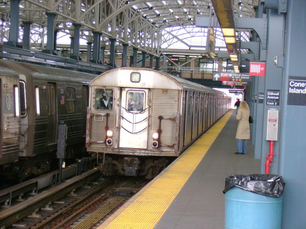 (147k, 986x740)<br><b>Country:</b> United States<br><b>City:</b> New York<br><b>System:</b> New York City Transit<br><b>Location:</b> Coney Island/Stillwell Avenue<br><b>Route:</b> N<br><b>Car:</b> R-32 (Budd, 1964)   <br><b>Photo by:</b> Pablo Maneiro<br><b>Date:</b> 11/18/2006<br><b>Viewed (this week/total):</b> 0 / 2717