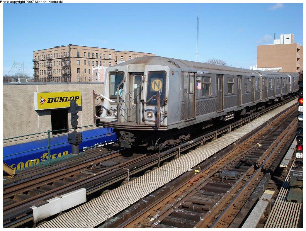 (227k, 1044x788)<br><b>Country:</b> United States<br><b>City:</b> New York<br><b>System:</b> New York City Transit<br><b>Line:</b> BMT Astoria Line<br><b>Location:</b> 30th/Grand Aves.<br><b>Route:</b> N<br><b>Car:</b> R-40 (St. Louis, 1968) 4366 <br><b>Photo by:</b> Michael Hodurski<br><b>Date:</b> 2/23/2007<br><b>Viewed (this week/total):</b> 0 / 2683