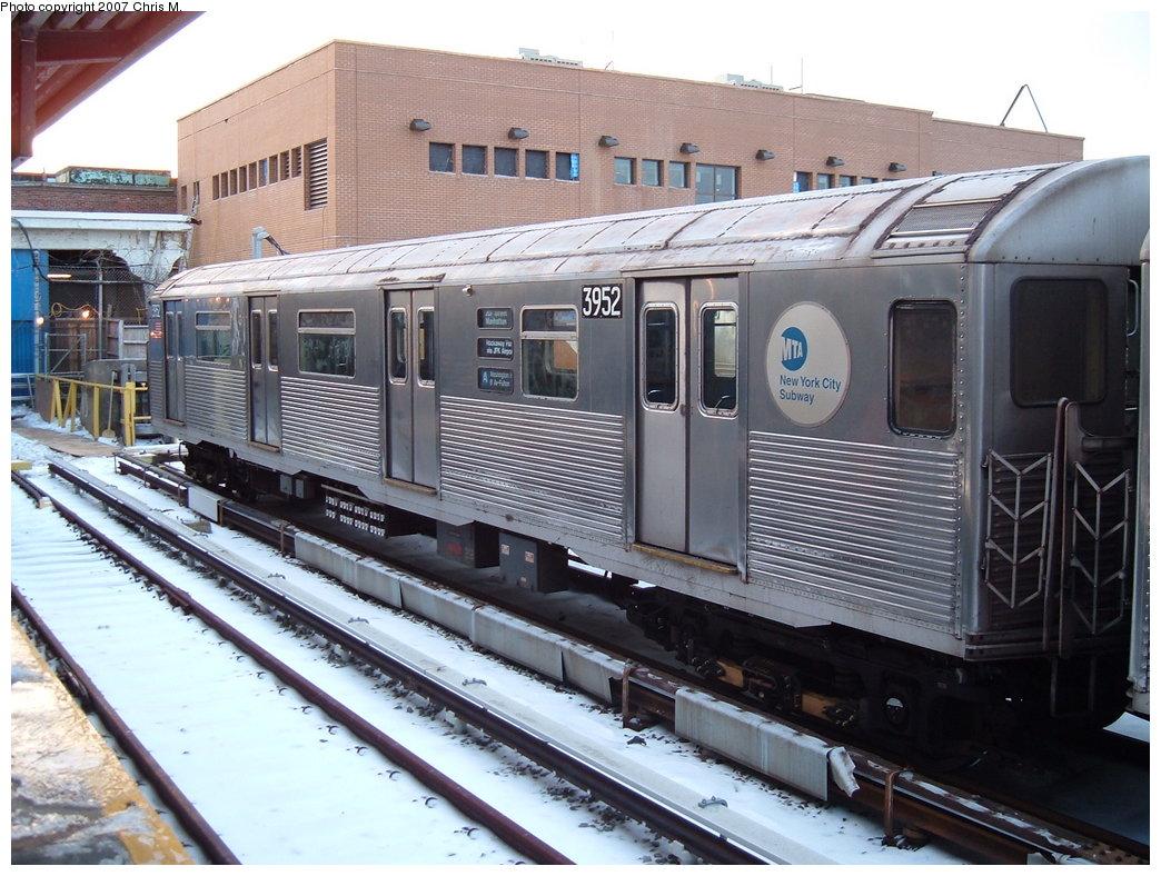 (204k, 1044x788)<br><b>Country:</b> United States<br><b>City:</b> New York<br><b>System:</b> New York City Transit<br><b>Location:</b> Rockaway Park Yard<br><b>Car:</b> R-38 (St. Louis, 1966-1967)  3952 <br><b>Photo by:</b> Chris M.<br><b>Date:</b> 2/18/2007<br><b>Viewed (this week/total):</b> 4 / 3756