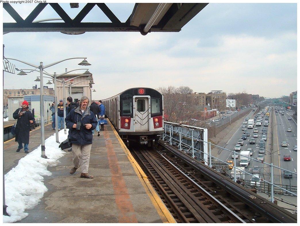 (181k, 1044x788)<br><b>Country:</b> United States<br><b>City:</b> New York<br><b>System:</b> New York City Transit<br><b>Line:</b> IRT Pelham Line<br><b>Location:</b> East 177th Street/Parkchester <br><b>Route:</b> 6<br><b>Car:</b> R-142 or R-142A (Number Unknown)  <br><b>Photo by:</b> Chris M.<br><b>Date:</b> 2/26/2005<br><b>Viewed (this week/total):</b> 1 / 4240