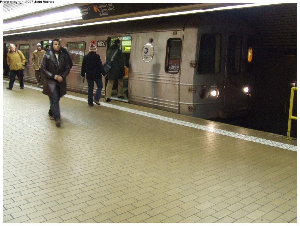 (155k, 1044x788)<br><b>Country:</b> United States<br><b>City:</b> New York<br><b>System:</b> New York City Transit<br><b>Line:</b> IND 63rd Street<br><b>Location:</b> Lexington Avenue-63rd Street <br><b>Route:</b> F<br><b>Car:</b> R-46 (Pullman-Standard, 1974-75) 6010 <br><b>Photo by:</b> John Barnes<br><b>Date:</b> 2/7/2007<br><b>Viewed (this week/total):</b> 6 / 4222