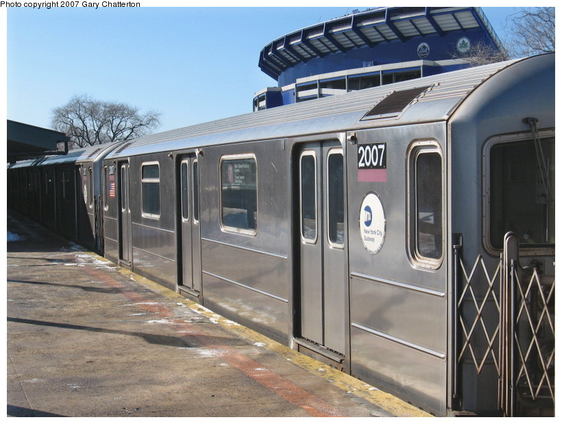 (118k, 820x620)<br><b>Country:</b> United States<br><b>City:</b> New York<br><b>System:</b> New York City Transit<br><b>Line:</b> IRT Flushing Line<br><b>Location:</b> Willets Point/Mets (fmr. Shea Stadium) <br><b>Route:</b> 7<br><b>Car:</b> R-62A (Bombardier, 1984-1987)  2007 <br><b>Photo by:</b> Gary Chatterton<br><b>Date:</b> 2/15/2007<br><b>Viewed (this week/total):</b> 3 / 2422