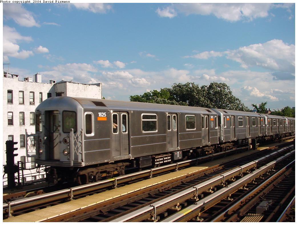 (130k, 1044x788)<br><b>Country:</b> United States<br><b>City:</b> New York<br><b>System:</b> New York City Transit<br><b>Line:</b> IRT Woodlawn Line<br><b>Location:</b> Kingsbridge Road <br><b>Route:</b> 4<br><b>Car:</b> R-62A (Bombardier, 1984-1987)  1625 <br><b>Photo by:</b> David Pirmann<br><b>Date:</b> 7/12/2001<br><b>Viewed (this week/total):</b> 1 / 4409