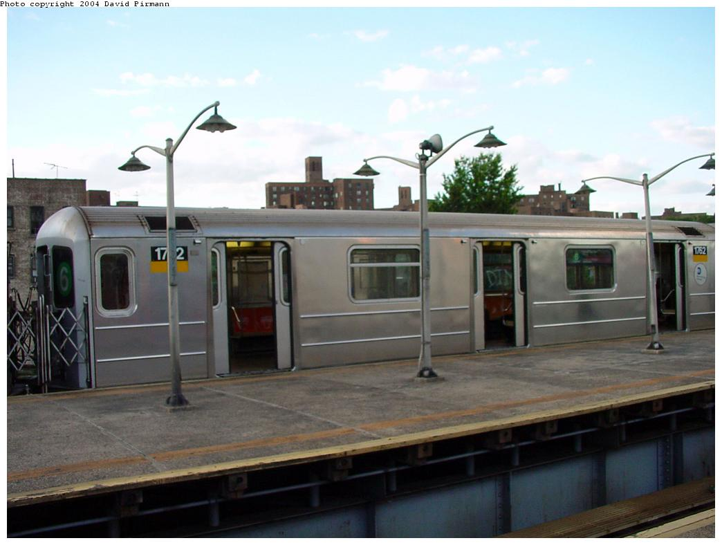 (93k, 1044x788)<br><b>Country:</b> United States<br><b>City:</b> New York<br><b>System:</b> New York City Transit<br><b>Line:</b> IRT Pelham Line<br><b>Location:</b> East 177th Street/Parkchester <br><b>Route:</b> 6<br><b>Car:</b> R-62A (Bombardier, 1984-1987)  1762 <br><b>Photo by:</b> David Pirmann<br><b>Date:</b> 7/11/2000<br><b>Viewed (this week/total):</b> 2 / 5709