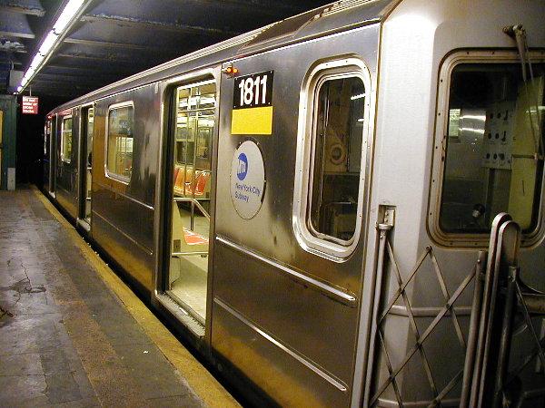(93k, 600x450)<br><b>Country:</b> United States<br><b>City:</b> New York<br><b>System:</b> New York City Transit<br><b>Line:</b> IRT Pelham Line<br><b>Location:</b> 3rd Avenue/138th Street <br><b>Route:</b> 6<br><b>Car:</b> R-62A (Bombardier, 1984-1987)  1811 <br><b>Photo by:</b> Trevor Logan<br><b>Date:</b> 7/8/2001<br><b>Viewed (this week/total):</b> 0 / 8847