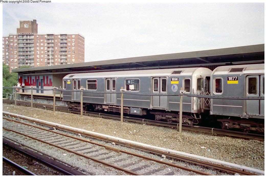 (234k, 1044x698)<br><b>Country:</b> United States<br><b>City:</b> New York<br><b>System:</b> New York City Transit<br><b>Line:</b> IRT Dyre Ave. Line<br><b>Location:</b> Baychester Avenue <br><b>Route:</b> 5<br><b>Car:</b> R-62A (Bombardier, 1984-1987)  1896 <br><b>Photo by:</b> David Pirmann<br><b>Date:</b> 9/13/1998<br><b>Viewed (this week/total):</b> 1 / 6457