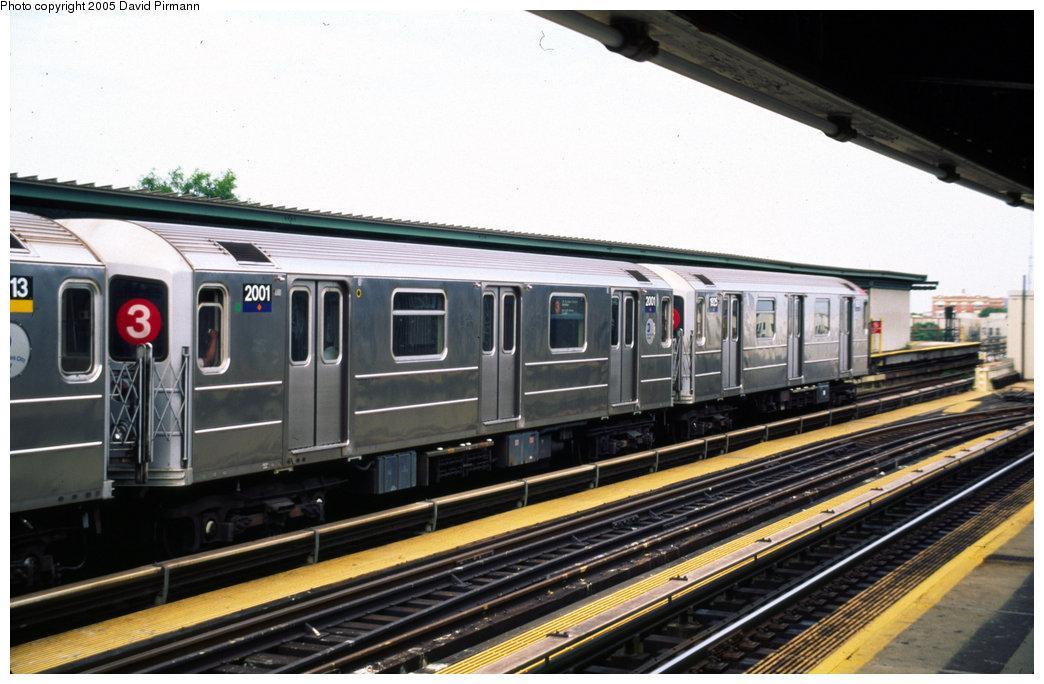 (186k, 1044x684)<br><b>Country:</b> United States<br><b>City:</b> New York<br><b>System:</b> New York City Transit<br><b>Line:</b> IRT Brooklyn Line<br><b>Location:</b> Junius Street <br><b>Route:</b> 3<br><b>Car:</b> R-62A (Bombardier, 1984-1987)  2001 <br><b>Photo by:</b> David Pirmann<br><b>Date:</b> 7/21/1999<br><b>Viewed (this week/total):</b> 0 / 4638