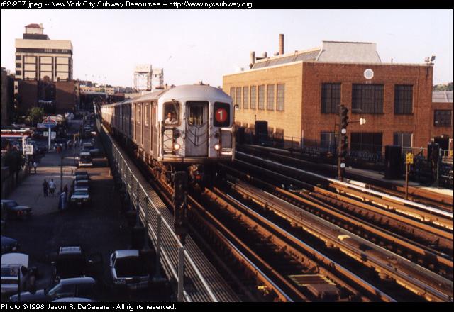 (144k, 640x440)<br><b>Country:</b> United States<br><b>City:</b> New York<br><b>System:</b> New York City Transit<br><b>Line:</b> IRT West Side Line<br><b>Location:</b> 207th Street <br><b>Route:</b> 1<br><b>Car:</b> R-62A (Bombardier, 1984-1987)   <br><b>Photo by:</b> Jason R. DeCesare<br><b>Date:</b> 7/10/1998<br><b>Viewed (this week/total):</b> 0 / 4706