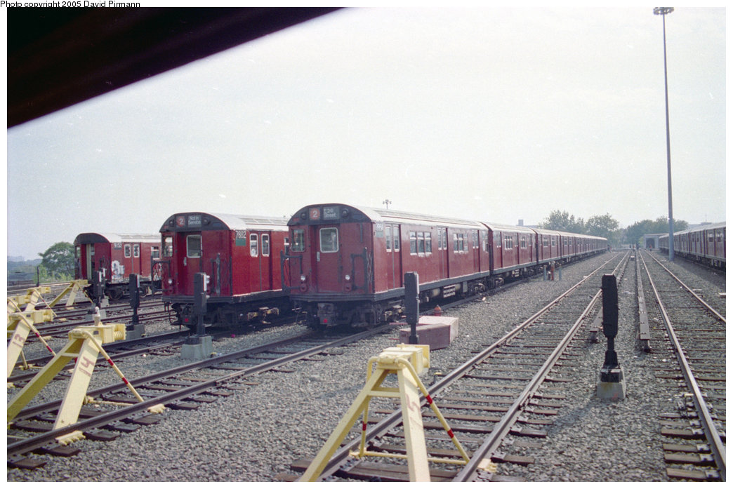 (194k, 1044x697)<br><b>Country:</b> United States<br><b>City:</b> New York<br><b>System:</b> New York City Transit<br><b>Location:</b> 239th Street Yard<br><b>Car:</b> R-28 (American Car & Foundry, 1960-61) 7882/7954 <br><b>Photo by:</b> David Pirmann<br><b>Date:</b> 9/13/1998<br><b>Viewed (this week/total):</b> 2 / 5270