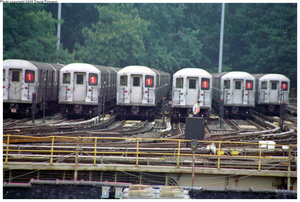 (232k, 1044x704)<br><b>Country:</b> United States<br><b>City:</b> New York<br><b>System:</b> New York City Transit<br><b>Location:</b> 240th Street Yard<br><b>Car:</b> R-62A (Bombardier, 1984-1987)  <br><b>Photo by:</b> David Pirmann<br><b>Date:</b> 9/8/1996<br><b>Viewed (this week/total):</b> 1 / 11174