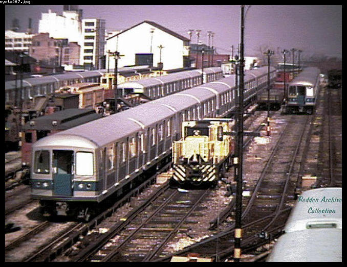 (89k, 678x523)<br><b>Country:</b> United States<br><b>City:</b> New York<br><b>System:</b> New York City Transit<br><b>Location:</b> 36th Street Yard<br><b>Car:</b> R-40M (St. Louis, 1969)   <br><b>Collection of:</b> Bob Redden<br><b>Viewed (this week/total):</b> 3 / 4458
