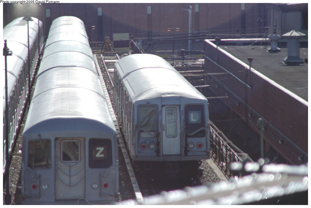 (181k, 1044x699)<br><b>Country:</b> United States<br><b>City:</b> New York<br><b>System:</b> New York City Transit<br><b>Location:</b> East New York Yard/Shops<br><b>Photo by:</b> David Pirmann<br><b>Date:</b> 10/11/1996<br><b>Notes:</b> Two-car lashup of R40 cars<br><b>Viewed (this week/total):</b> 0 / 4245