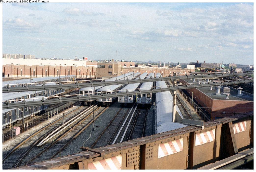 (239k, 1044x701)<br><b>Country:</b> United States<br><b>City:</b> New York<br><b>System:</b> New York City Transit<br><b>Location:</b> East New York Yard/Shops<br><b>Photo by:</b> David Pirmann<br><b>Date:</b> 9/24/1995<br><b>Notes:</b> View from Broadway Junction<br><b>Viewed (this week/total):</b> 2 / 3936