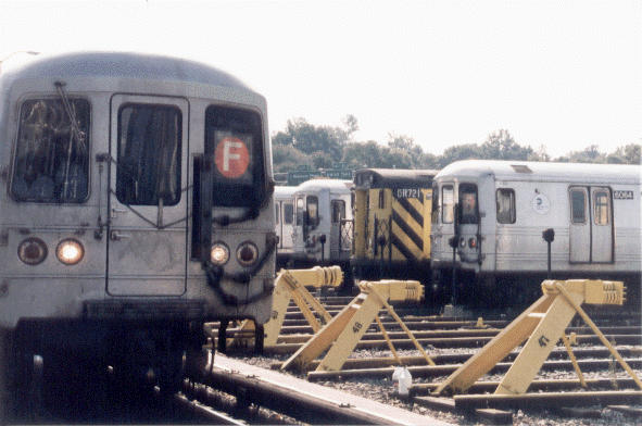 (44k, 591x392)<br><b>Country:</b> United States<br><b>City:</b> New York<br><b>System:</b> New York City Transit<br><b>Location:</b> Jamaica Yard/Shops<br><b>Car:</b> R-46 (Pullman-Standard, 1974-75)  <br><b>Photo by:</b> Peter Dougherty<br><b>Date:</b> 1998<br><b>Notes:</b> Loop track<br><b>Viewed (this week/total):</b> 0 / 5396