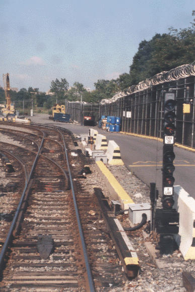 (52k, 387x579)<br><b>Country:</b> United States<br><b>City:</b> New York<br><b>System:</b> New York City Transit<br><b>Location:</b> Jamaica Yard/Shops<br><b>Photo by:</b> Peter Dougherty<br><b>Date:</b> 1998<br><b>Notes:</b> Loop track<br><b>Viewed (this week/total):</b> 1 / 2357