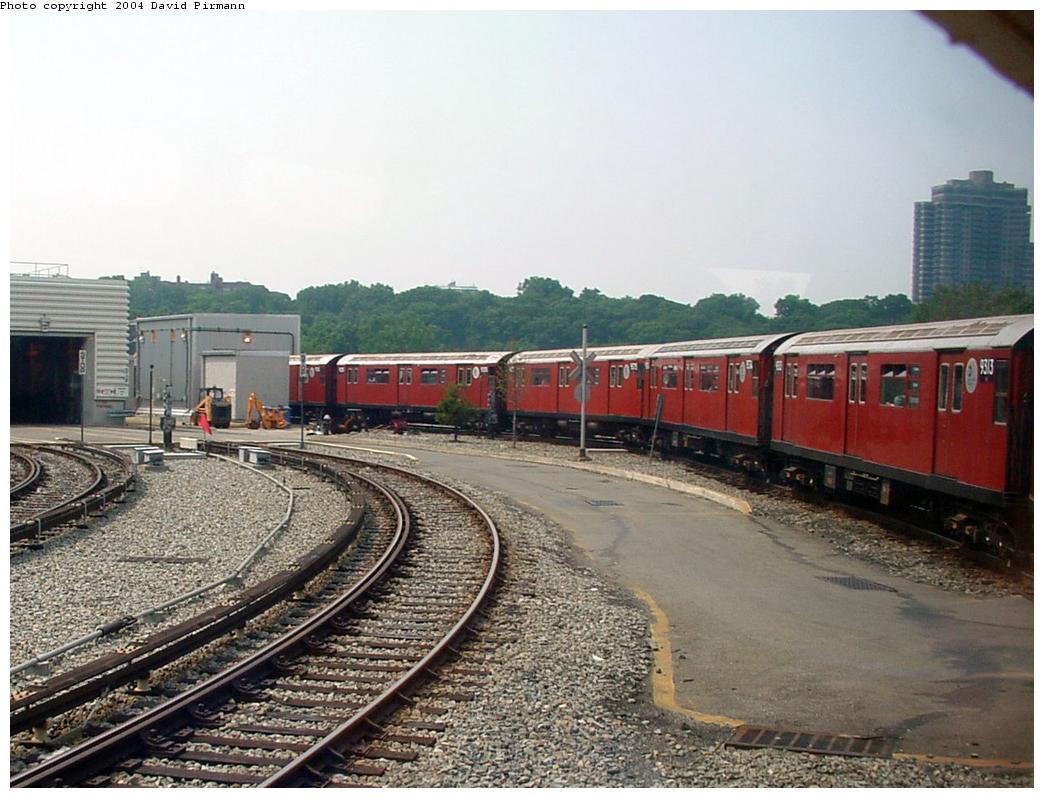 (138k, 1044x798)<br><b>Country:</b> United States<br><b>City:</b> New York<br><b>System:</b> New York City Transit<br><b>Location:</b> Jamaica Yard/Shops<br><b>Route:</b> Fan Trip<br><b>Photo by:</b> David Pirmann<br><b>Date:</b> 8/27/2000<br><b>Notes:</b> Redbird fan trip<br><b>Viewed (this week/total):</b> 0 / 6283