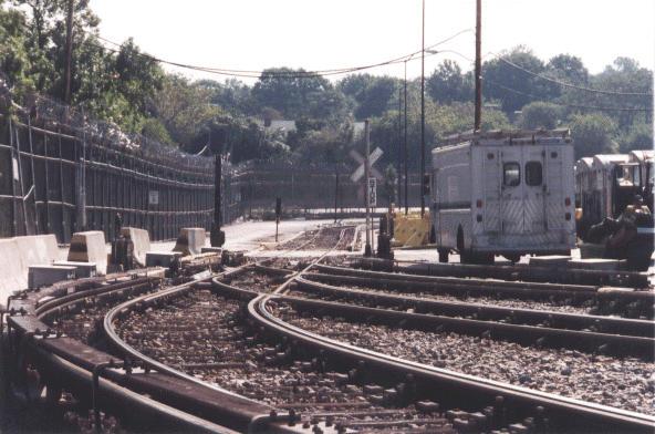 (55k, 592x392)<br><b>Country:</b> United States<br><b>City:</b> New York<br><b>System:</b> New York City Transit<br><b>Location:</b> Jamaica Yard/Shops<br><b>Photo by:</b> Peter Dougherty<br><b>Date:</b> 1998<br><b>Viewed (this week/total):</b> 2 / 2137